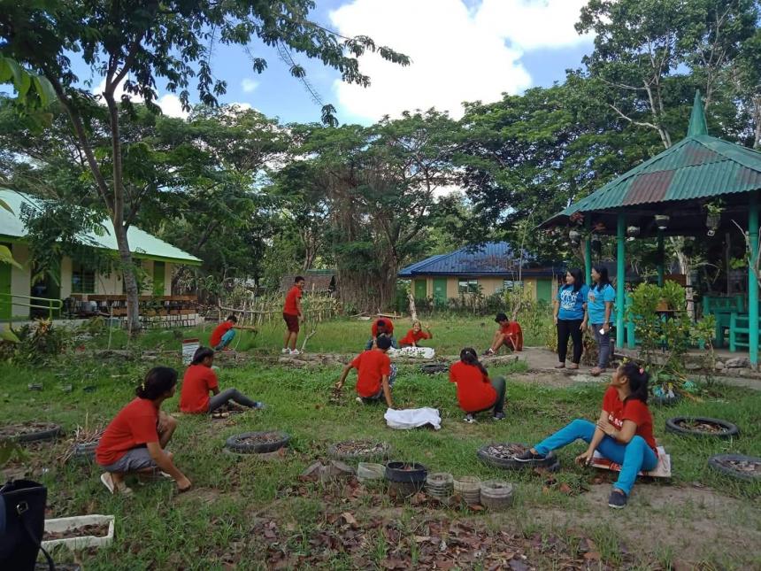 Kalipay kids join Brigada Eskwela