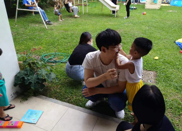 OK English Students Visit Haven Home